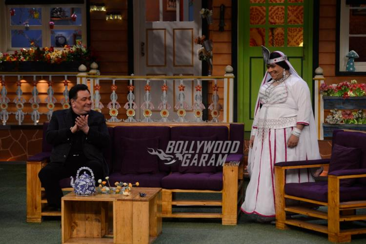 Rishi Kapoor looks at actor Kiku Sharda on The Kapil Sharma Show
