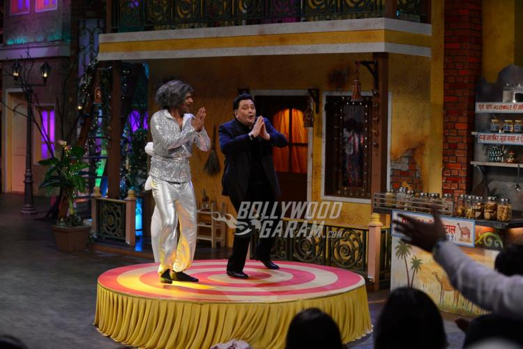 Sunil Grover grooves with Rishi Kapoor to the song 'Om Shanti Om' on The Kapil Sharma Show