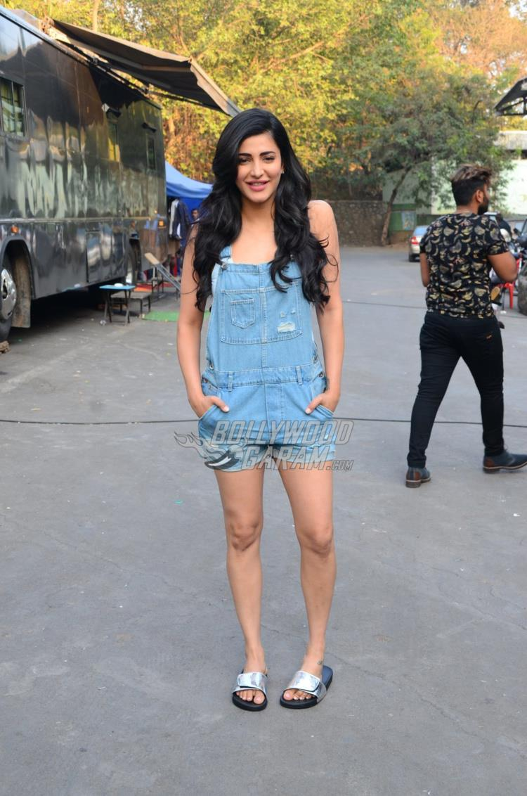 Shruti Haasan poses for cameras at an ad shoot location