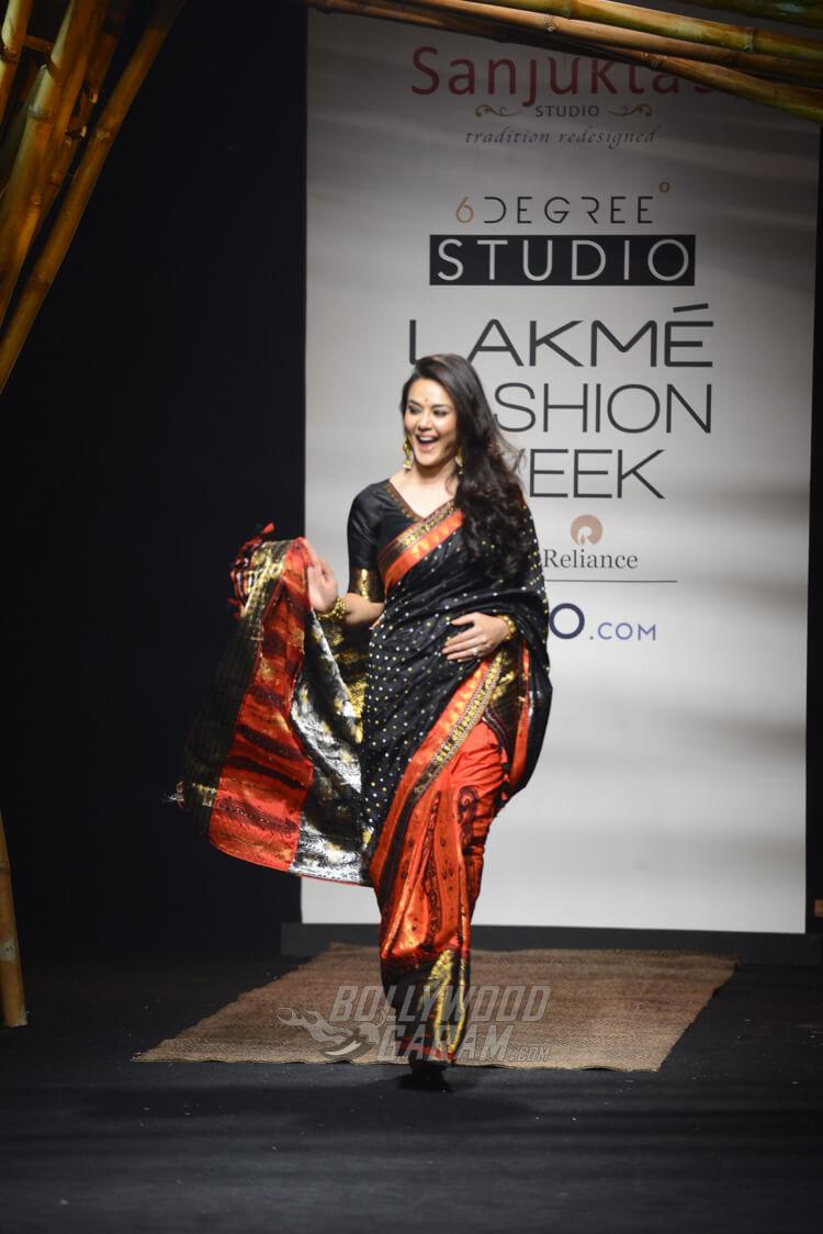 Sanjukta-Dutta-Lakme-Fashion-Week-2017-Priety-Zinta-2