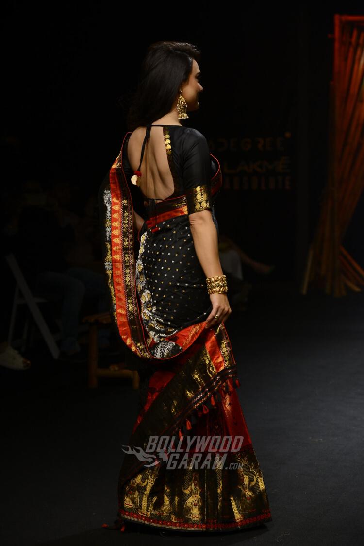 Sanjukta-Dutta-Lakme-Fashion-Week-2017-Priety-Zinta-5