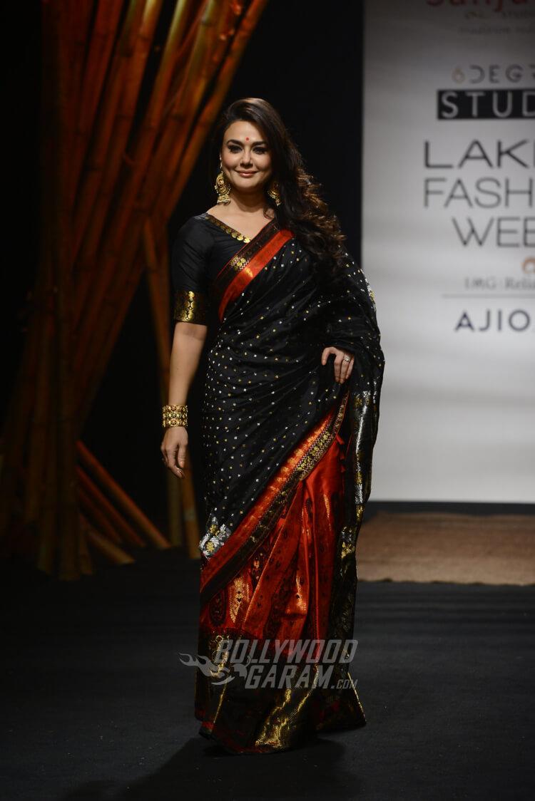 Sanjukta-Dutta-Lakme-Fashion-Week-2017-Priety-Zinta-8