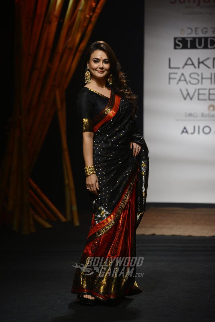 Sanjukta-Dutta-Lakme-Fashion-Week-2017-Priety-Zinta-9