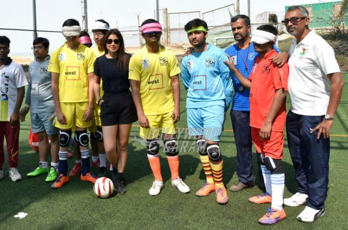 Shriya Saran blind football5