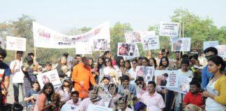 Smita Thackeray Appeals for Votes at Dog Rally