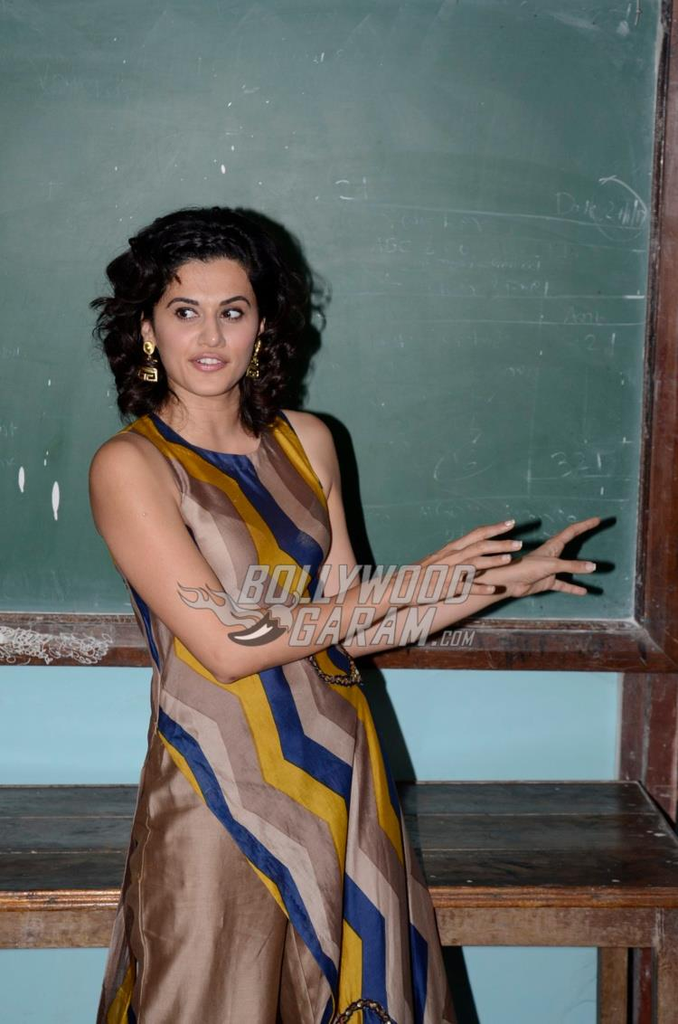 Taapsee Pannu interacting at Remonetise India initiative