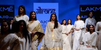 Lakmé Fashion Week Summer/Resort 2017 Photos – Tabu dazzles the ramp in white and gold