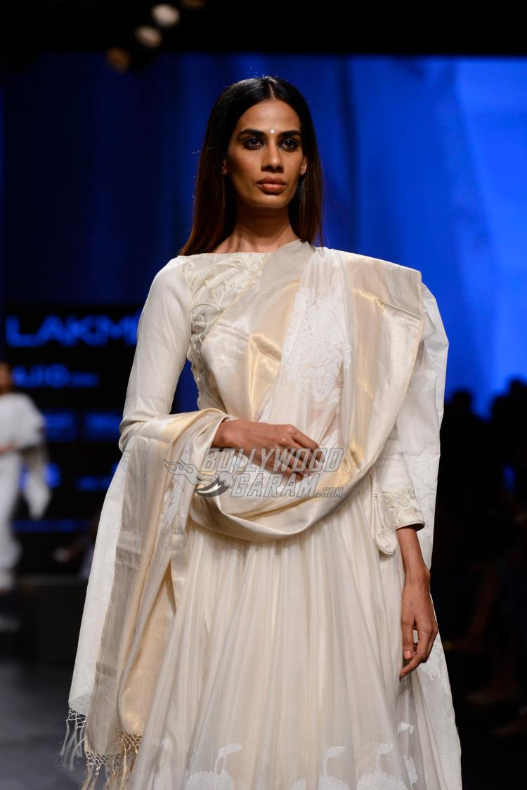 Model walks the ramp for Gaurang Shah at LFW Summer/Resort 2017