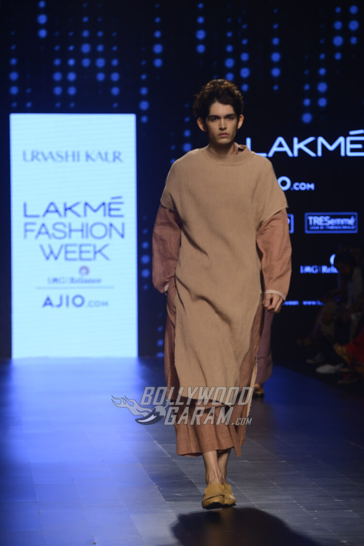 Urvashi-Kaur-Collection-Lakme-Fashion-Week-2017-14