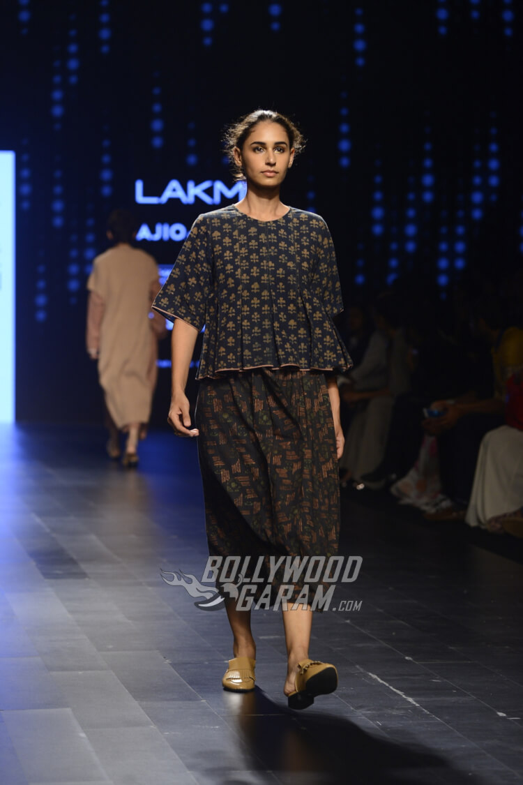 Urvashi-Kaur-Collection-Lakme-Fashion-Week-2017-15