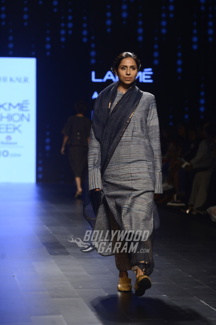 Urvashi-Kaur-Collection-Lakme-Fashion-Week-2017-16