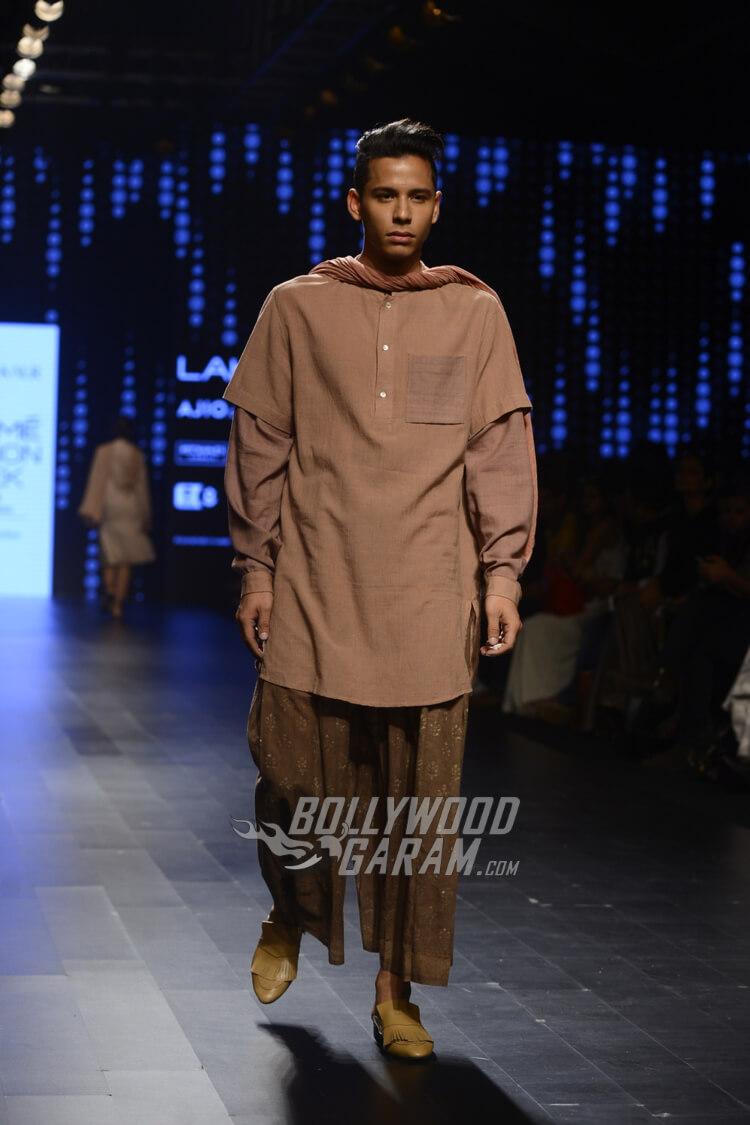 Urvashi-Kaur-Collection-Lakme-Fashion-Week-2017-5