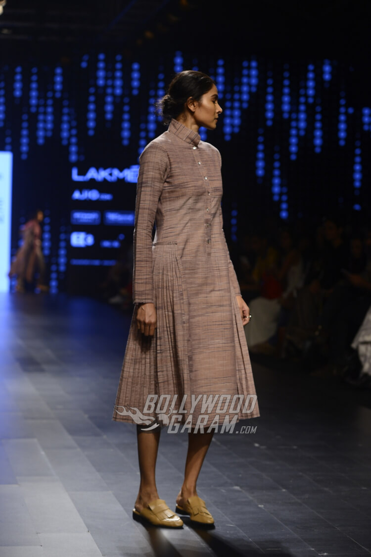 Urvashi-Kaur-Collection-Lakme-Fashion-Week-2017-7