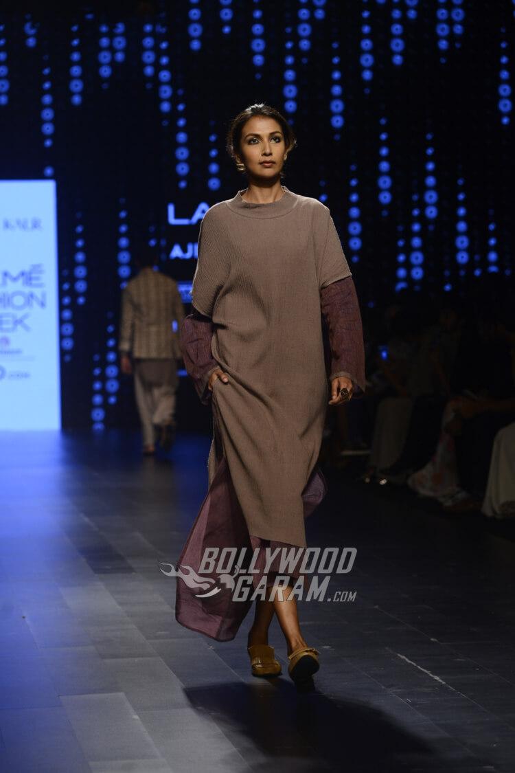 Urvashi-Kaur-Collection-Lakme-Fashion-Week-2017-8