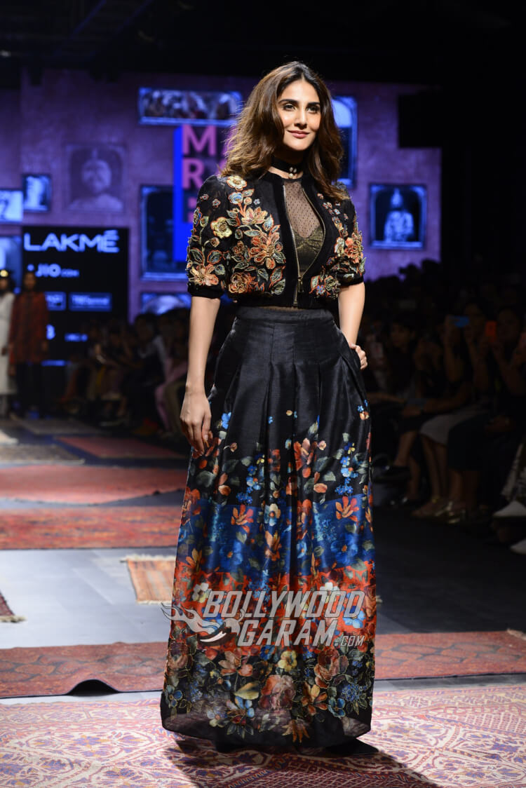 Vaani-Kapoor-Lakme-Fashion-Week-2017-10