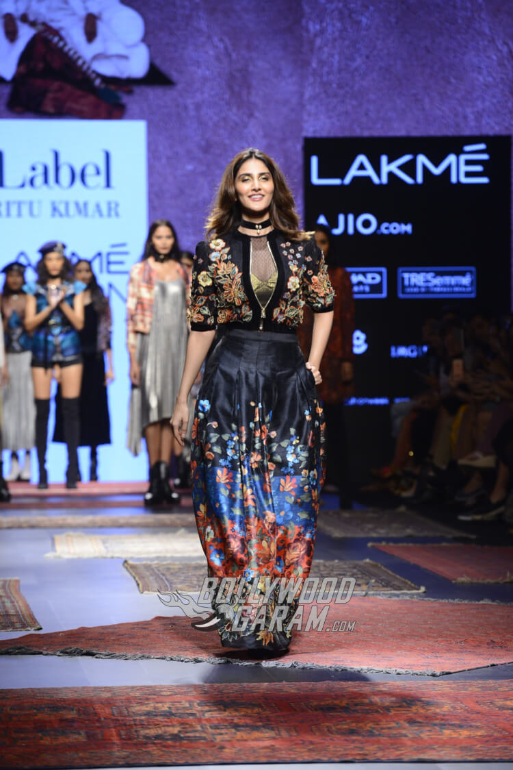 Vaani-Kapoor-Lakme-Fashion-Week-2017-3