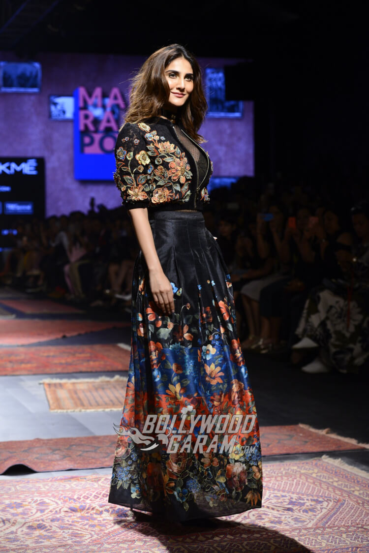 Vaani-Kapoor-Lakme-Fashion-Week-2017-7