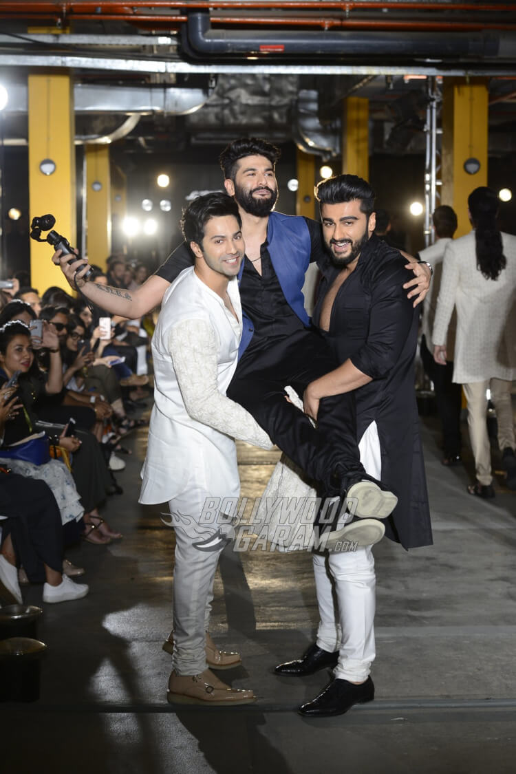 Varun-Dhawan-Kunal-Rawal-Lakme-Fashion-Week-201712
