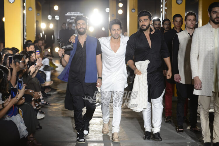 Varun-Dhawan-Kunal-Rawal-Lakme-Fashion-Week-20178