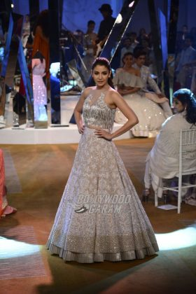 Manish-Malhotra-Mijwan-2017-Collection12