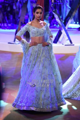 Manish-Malhotra-Mijwan-2017-Collection14