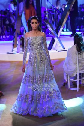 Manish-Malhotra-Mijwan-2017-Collection20