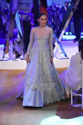 Manish-Malhotra-Mijwan-2017-Collection21