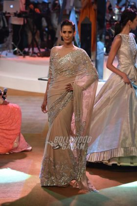 Manish-Malhotra-Mijwan-2017-Collection32