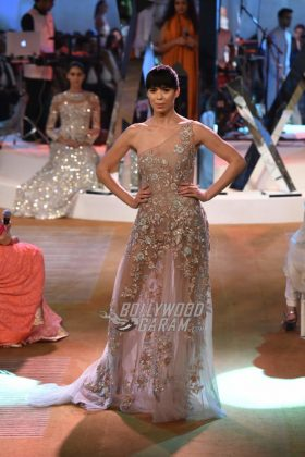 Manish-Malhotra-Mijwan-2017-Collection36