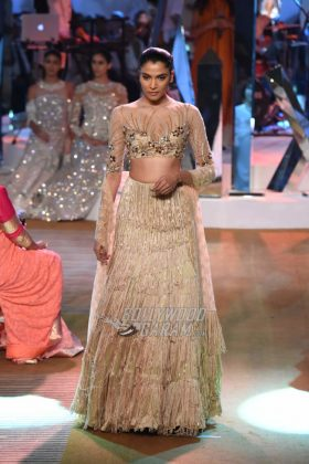 Manish-Malhotra-Mijwan-2017-Collection41