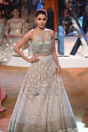 Manish-Malhotra-Mijwan-2017-Collection43