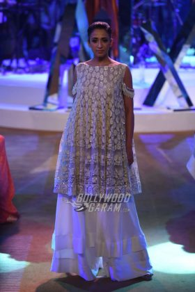 Manish-Malhotra-Mijwan-2017-Collection47