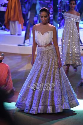 Manish-Malhotra-Mijwan-2017-Collection48