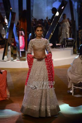 Manish-Malhotra-Mijwan-2017-Collection5