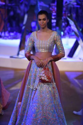 Manish-Malhotra-Mijwan-2017-Collection51