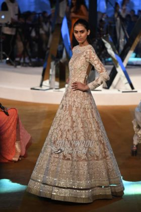 Manish-Malhotra-Mijwan-2017-Collection54