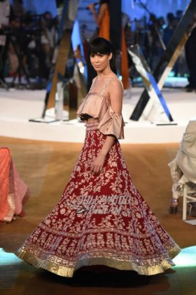 Manish-Malhotra-Mijwan-2017-Collection55