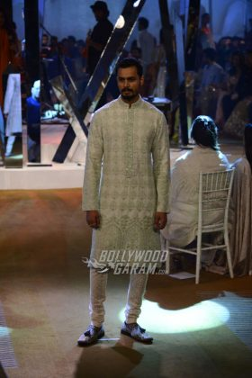 Manish-Malhotra-Mijwan-2017-Collection9