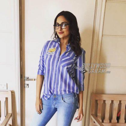 Sonakshi Sinha promotes Noor on Radio Mirchi