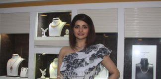 Prachi Desai Launches Forevermark Jewellery Collection by OM Jewelers – Photos