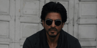 Shah Rukh Khan's Car Accidentally Injures Photographer