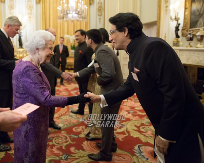 Shiamak Davar meeting Queen Elizabeth II at The Buckingham Palace (3) (1)