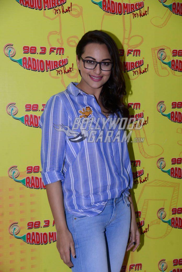 SonakshiSinha_BollywoodGaram2