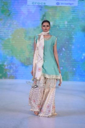 Sukriti-Akriti-Collection-IBFW-2017-12