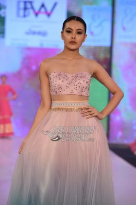 Sukriti-Akriti-Collection-IBFW-2017-2