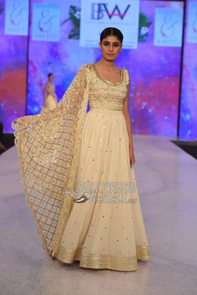 Sukriti-Akriti-Collection-IBFW-2017-24