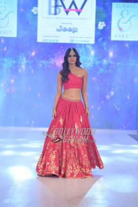 Sukriti-Akriti-Collection-IBFW-2017-27