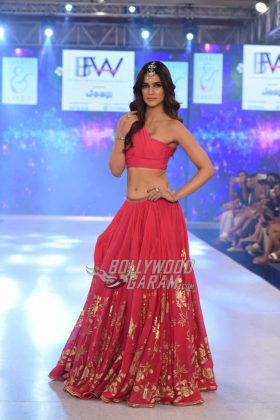 Sukriti-Akriti-Collection-IBFW-2017-29