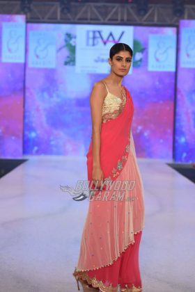 Sukriti-Akriti-Collection-IBFW-2017-7