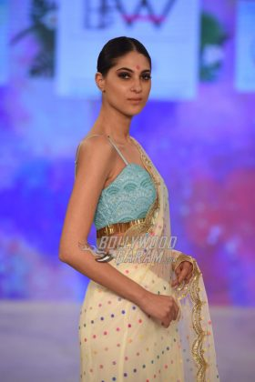 Sukriti-Akriti-Collection-IBFW-2017-9